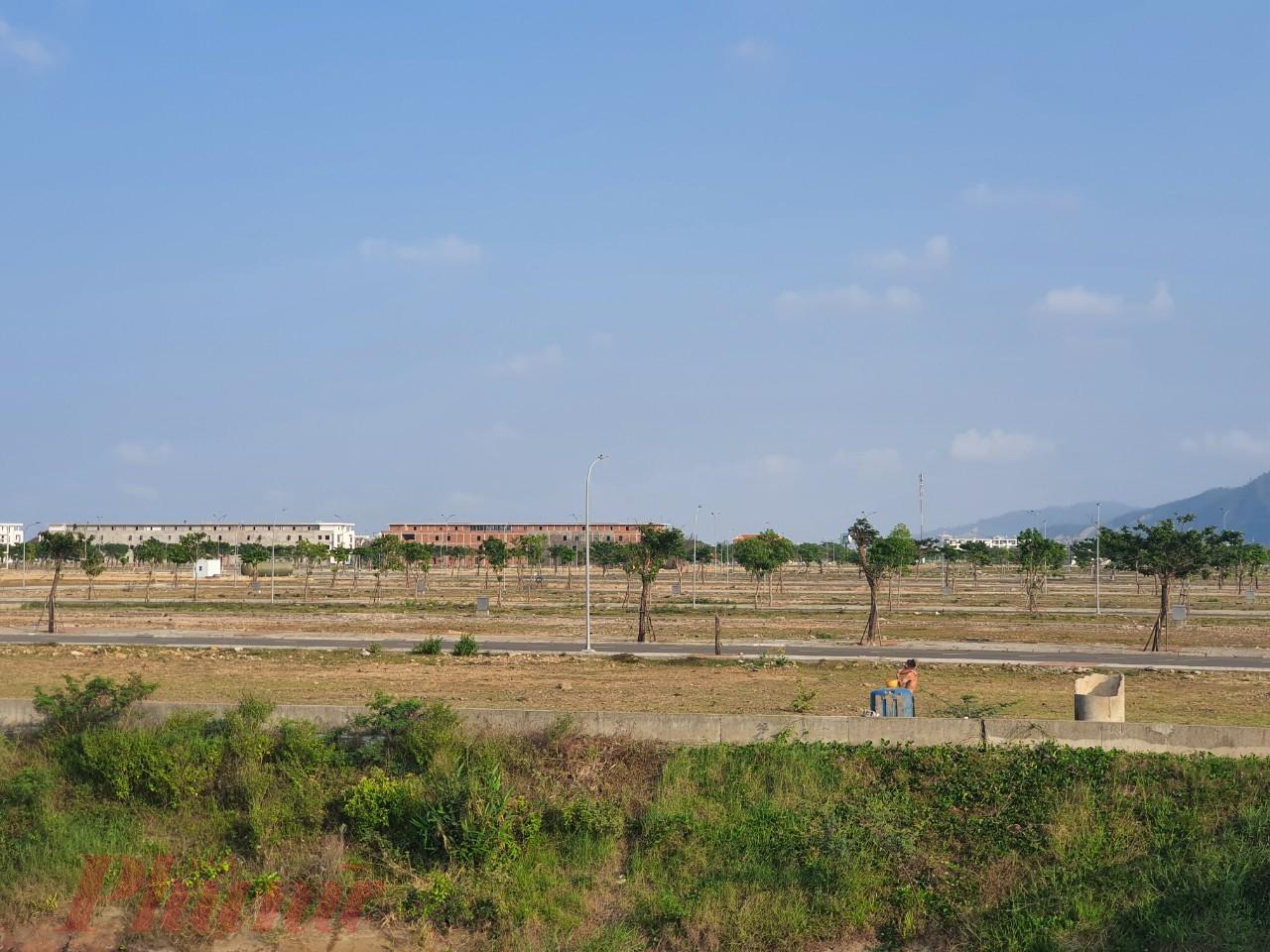 Ủy ban Kiểm tra Thành ủy Đà Nẵng quyết định thi hành kỷ luật bằng hình thức cảnh cáo đối với 2 cán bộ liên quan sai phạm đất đai