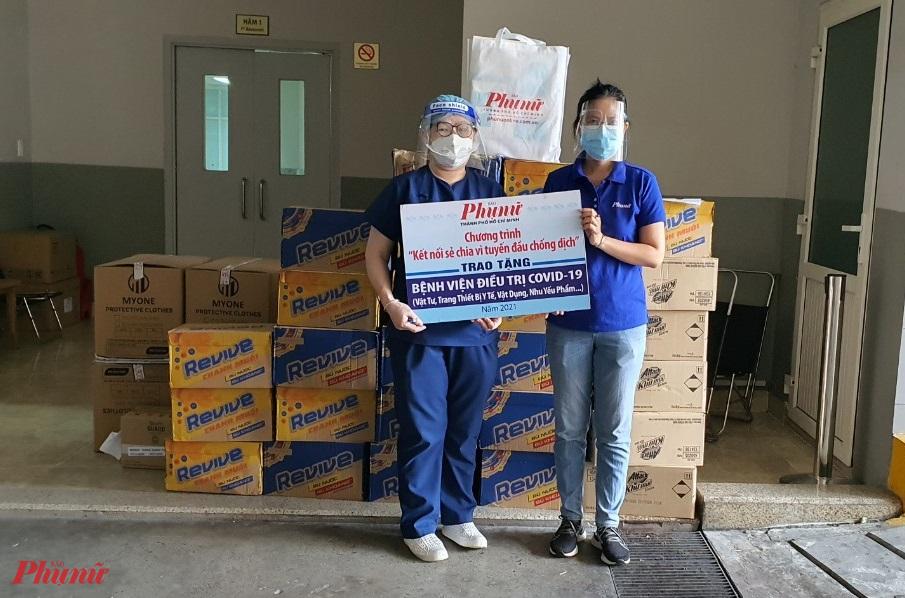 Báo Phụ nữ TPHCM tặng quà đến Bệnh viên Đa khoa Nam Sài Gòn