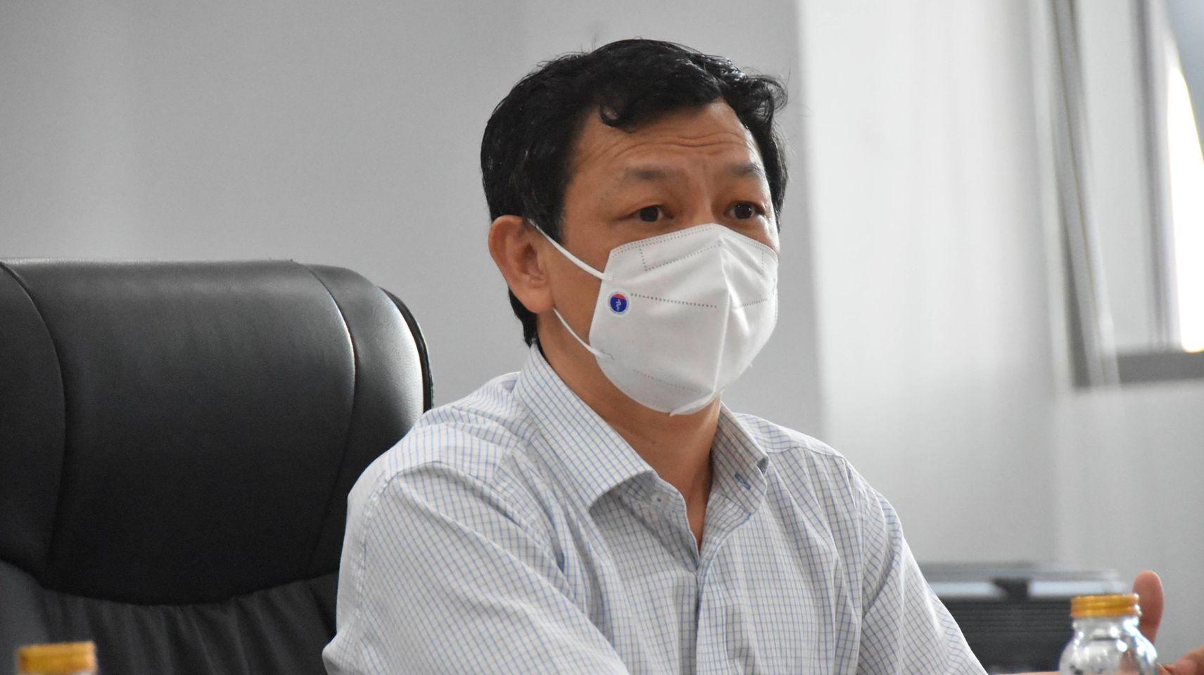 TS Nguyễn Tri Thức cho biết, Bệnh viện Hồi sức COVID-19 TPHCM đang cố gắng để nâng số giường điều trị lên con số 1.000
