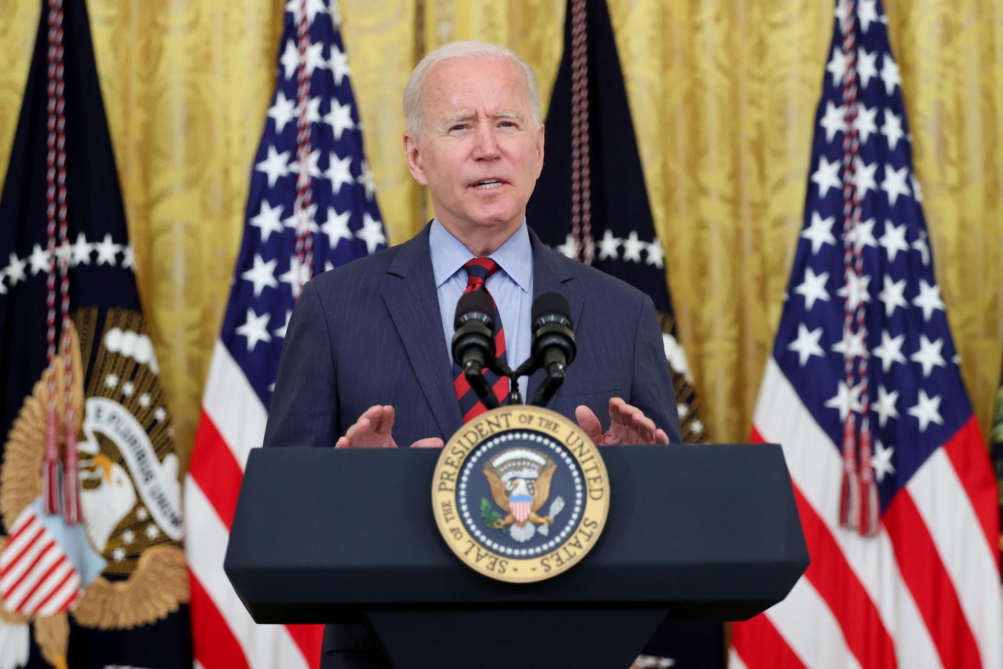 Tổng thống Biden kêu gọi Thống đốc Andrew Cuomo từ chức vì quấy rối tình dục nhiều phụ nữ.