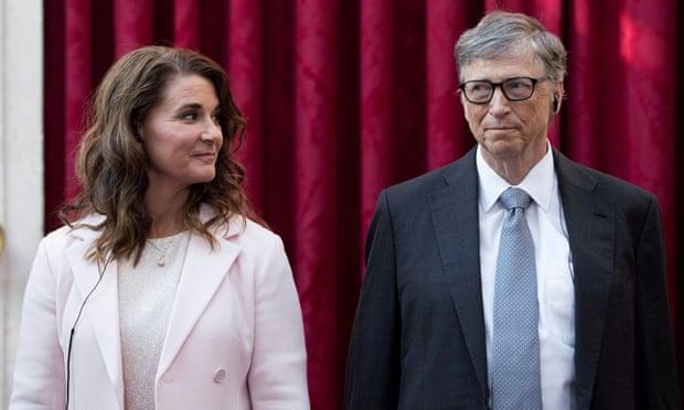 Trong khi đơn ly hôn của French Gates, được đệ trình lên tòa án cấp cao của hạt King, Washington, nói rằng cuộc hôn nhân này tan vỡ không thể cứu vãn