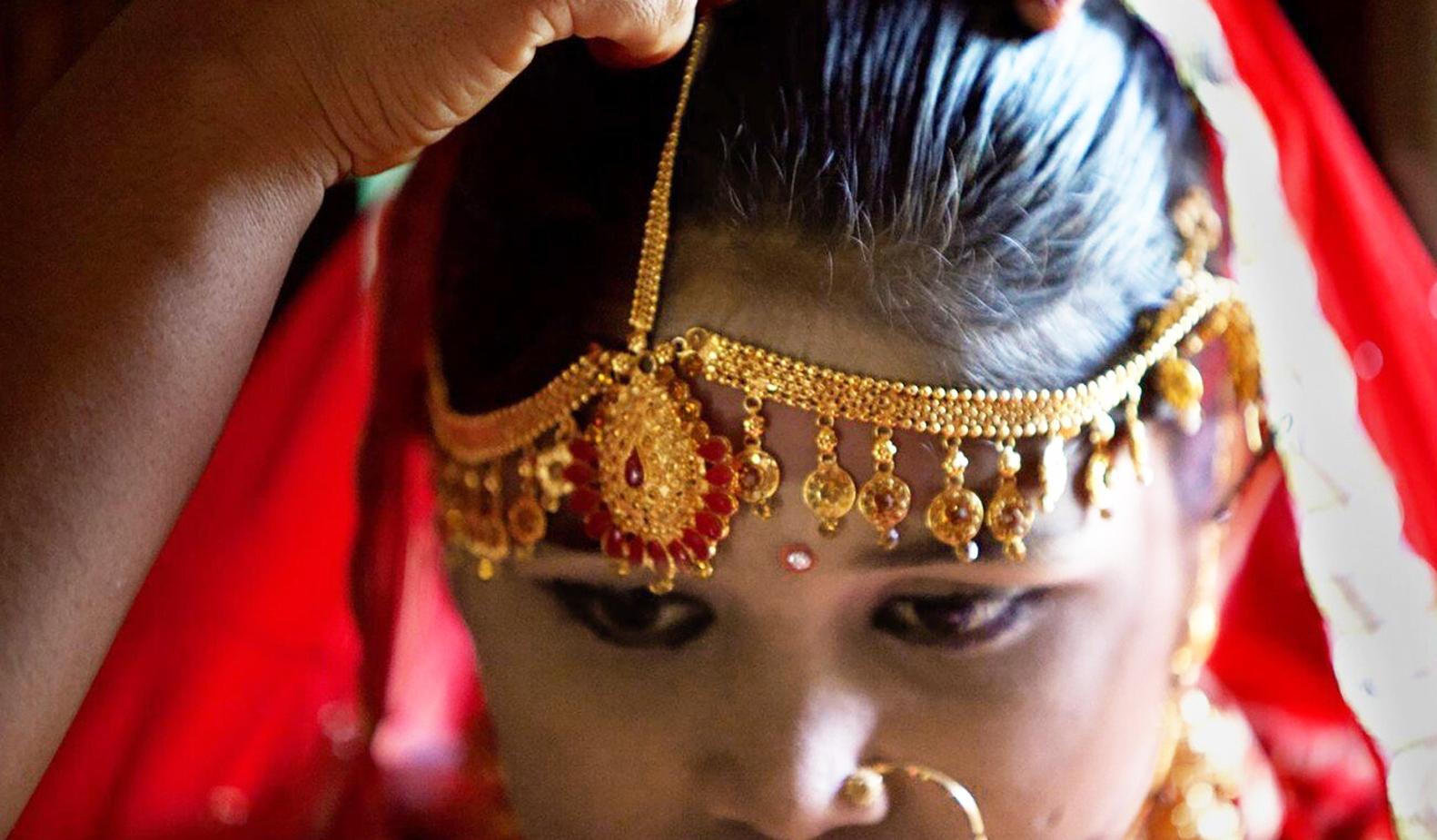 UNICEF phát hiện ra rằng hơn 50% trẻ em gái ở Bangladesh kết hôn trước 18 tuổi