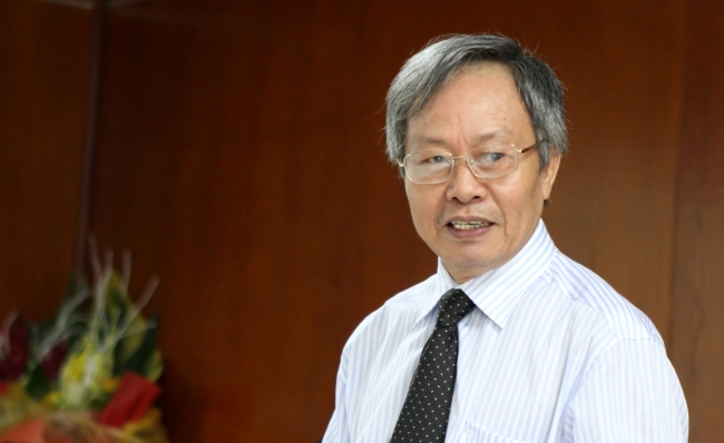 GS-TS Hồ Sĩ Quý - nguyên Viện trưởng Viện Thông tin KHXH Việt Nam, Ủy viên Hội đồng Khoa học Viện Hàn lâm KHXH Việt Nam - Ảnh: HUTECH