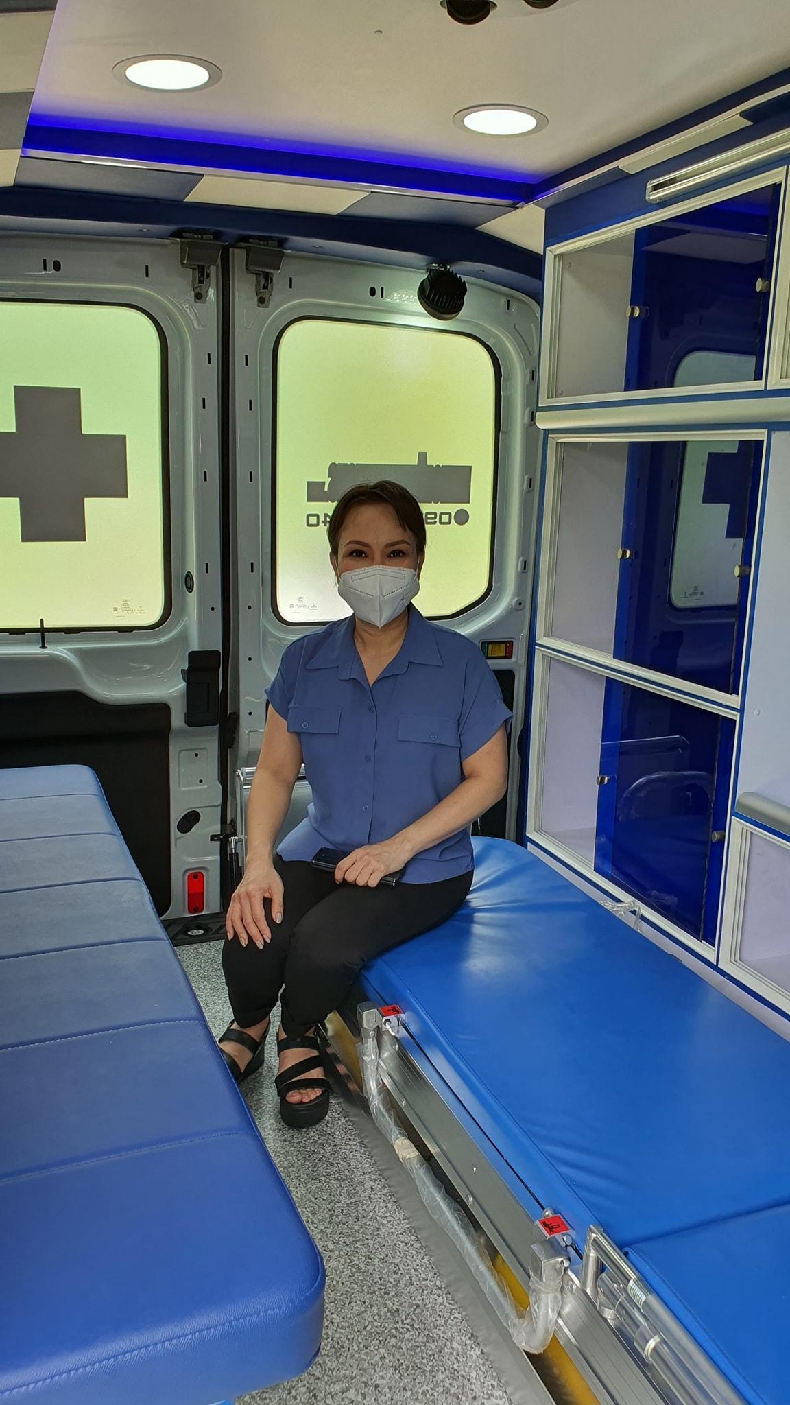 Thời gian qua Việt Hương và chồng tích cực hỗ trợ bà con gặp khó khăn vì dịch bệnh.