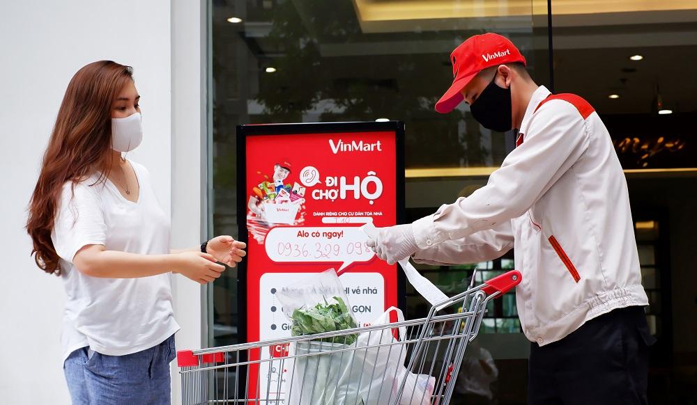 Dịch vụ đi chợ hộ của VinMart - Ảnh: Masan Group