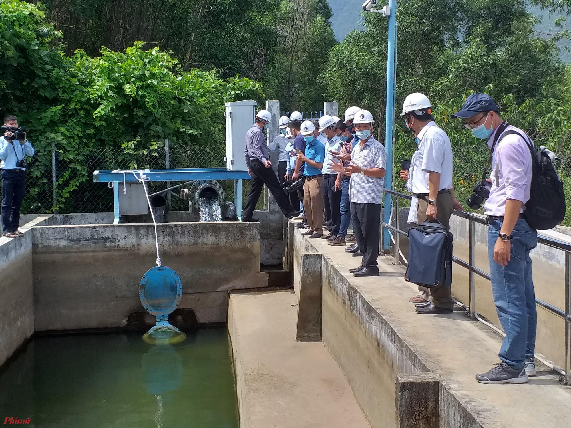 Một trong những bể lọc tại nhà máy nước Chân Mây tại xã Lộc Tiến