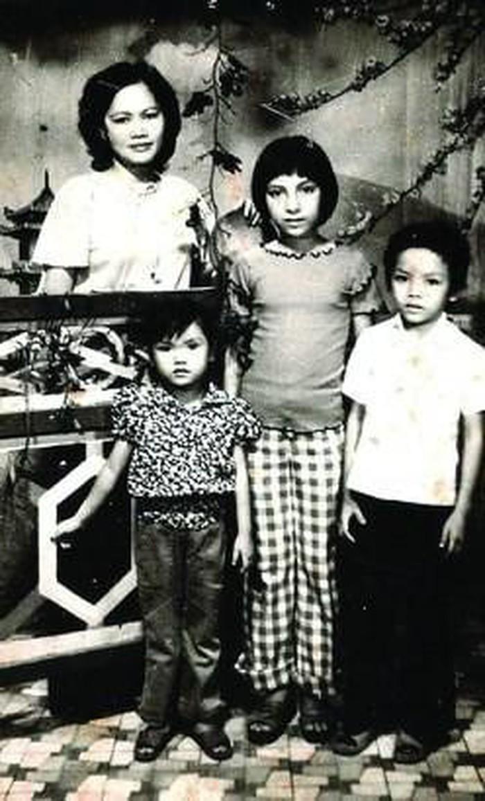 Ca sĩ Phi Nhung thời trẻ