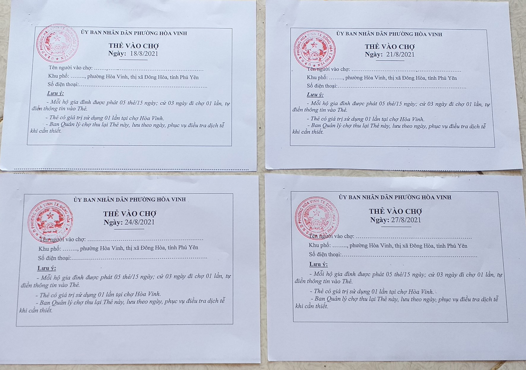 Người dân TX Đông Hòa, tỉnh Phú Yên được phát thẻ đi chợ