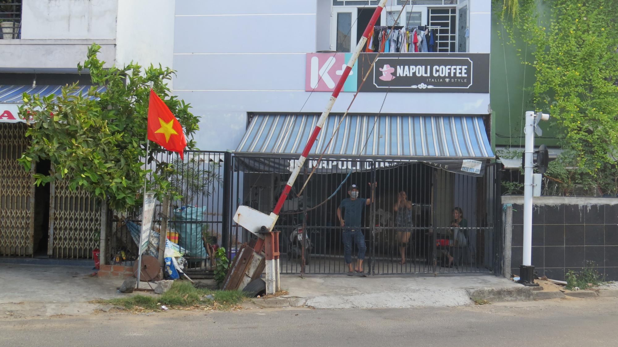 Người dân Phú Yên ở yên trong nhà thực hiện giãn cách xã hội