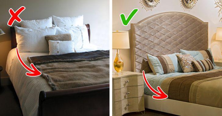 Theo nhà thiết kế nội thất nổi tiếng của Rocco Forte Hotels, Olga Polizzi, trên giường nên có 4 chiếc gối: có thể là sự kết hợp giữa lông tơ, lông vũ và những chiếc gối không gây dị ứng. Nên đặt ga trải giường sao cho che hết khoảng cách giữa đệm và giường, phần trên nên cuộn lại một chút. Đệm trang trí nên ở giữa một góc.