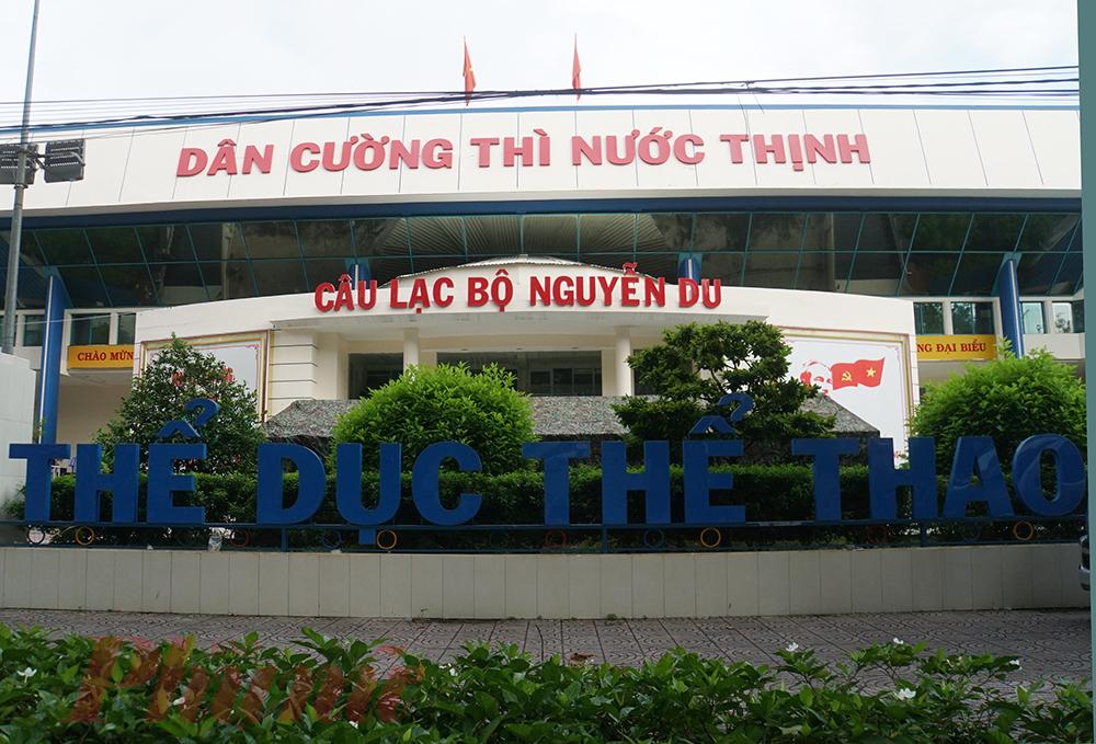 Nhà thi đấu Nguyễn Du hiện là điểm tạm của Bệnh viện dã chiến điều trị COVID-19