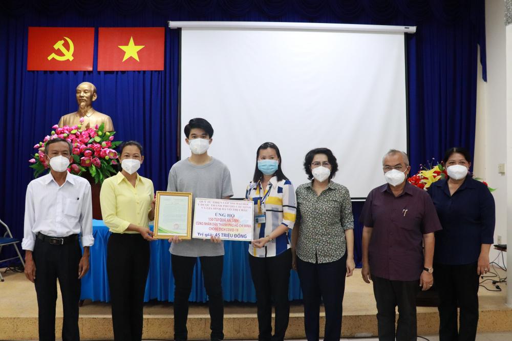 Quỹ Từ thiện Lớp D88 Đại học Y dược TPHCM và gia đình bà Võ Thị Châu hỗ trợ