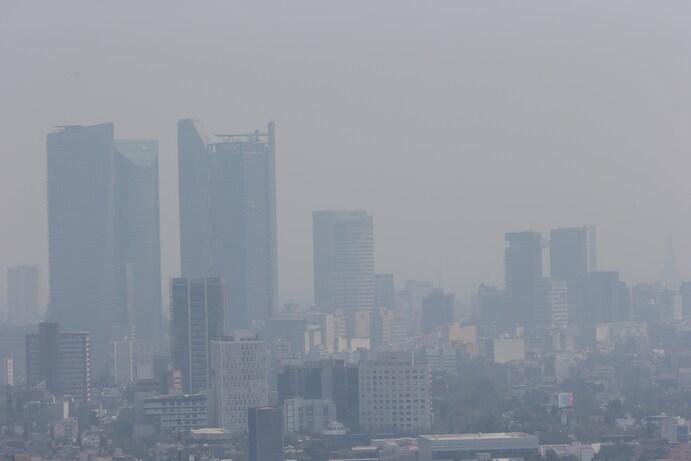 Sương mù bao phủ khắp Thành phố Mexico, ngày 25/4/2021.