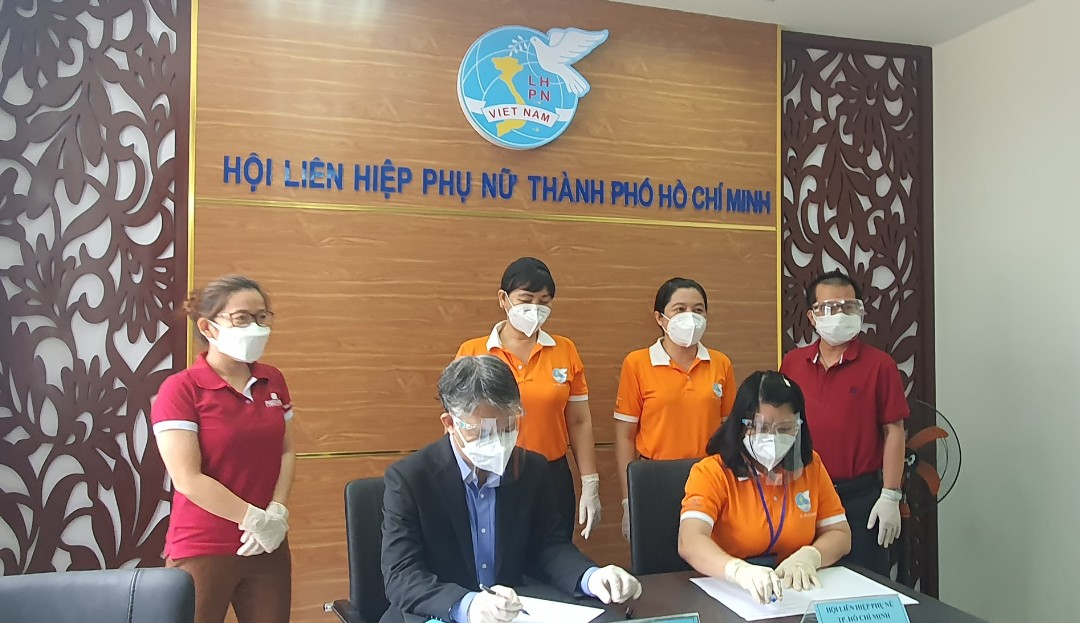 Chương trình ký kết phối hộp các hoạt động tiếp sức phòng chống dịch