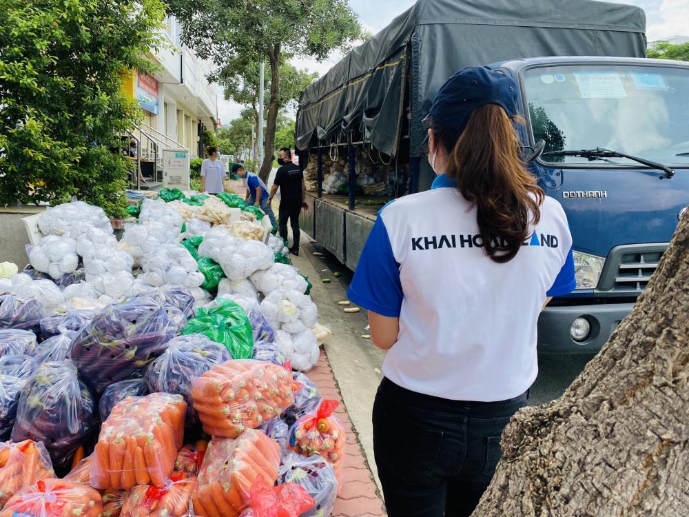 Nhiều doanh nghiệp, đơn vị đã chủ động hỗ trợ Trung tâm An sinh trong việc cung ứng và vận chuyển túi an sinh đến cho người dân cần hỗ trợ.