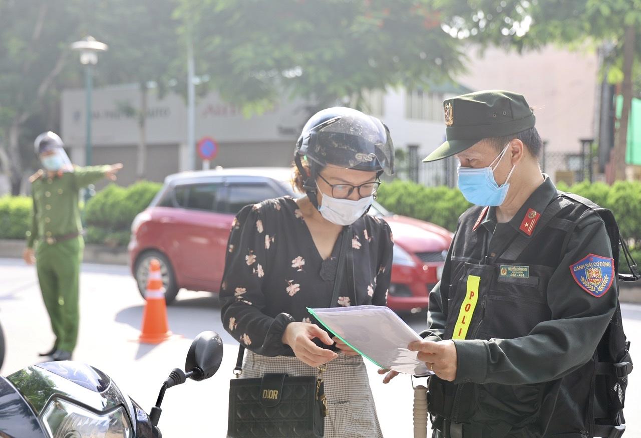 Việc cấp giấy đi đường được xác định là nhiệm vụ trọng tâm trong phòng chống dịch COVID-19.