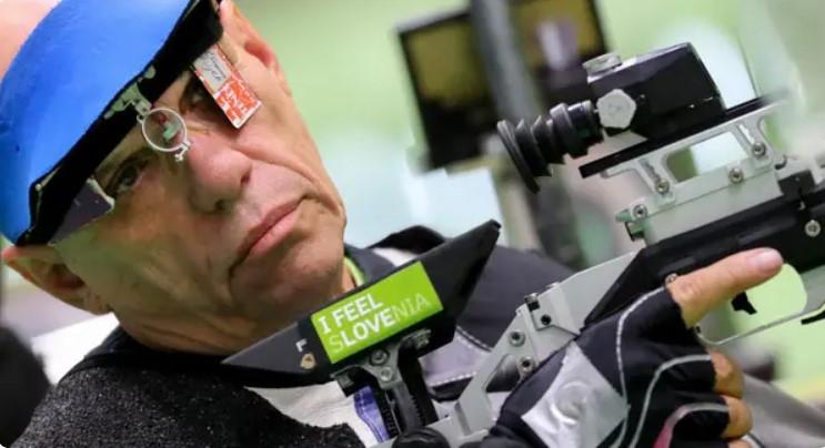 Vận động viên lớn tuổi nhất, Franc Pinter đến từ Slovenia, thi đấu lần thứ tám ở tuổi 67. Anh có trận ra mắt quốc tế tại Thế vận hội Paralympic Barcelona năm 1992.