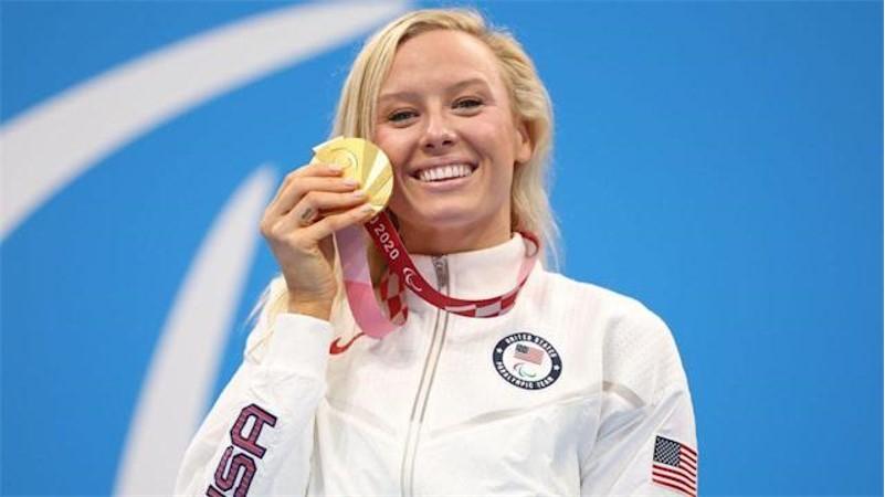 Jessica Long, vận động viên bơi lội của Mỹ, đã giành được huy chương thứ 27 tại Thế vận hội. Lần đầu tiên cô thi đấu là năm 12 tuổi.