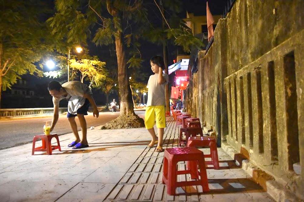 """Quán nước mía của anh Trương Trọng Đức mới mở nhằm """"đón đầu"""" phố đi bộ sẽ mở quanh khu Đại nội kết nối với phố Trần Hưng Đạo và chợ Đông Ba"""