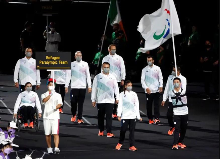 Đội Paralympic người tị nạn đầu tiên trong lịch sử với sáu vận động viên đại diện cho 82 triệu người tị nạn trên toàn thế giới.
