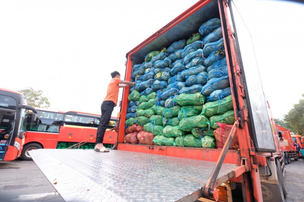 1.000 tấn nông sản sẽ được Tập đoàn Phương Trang vận chuyển về TPHCM trong tuần này.