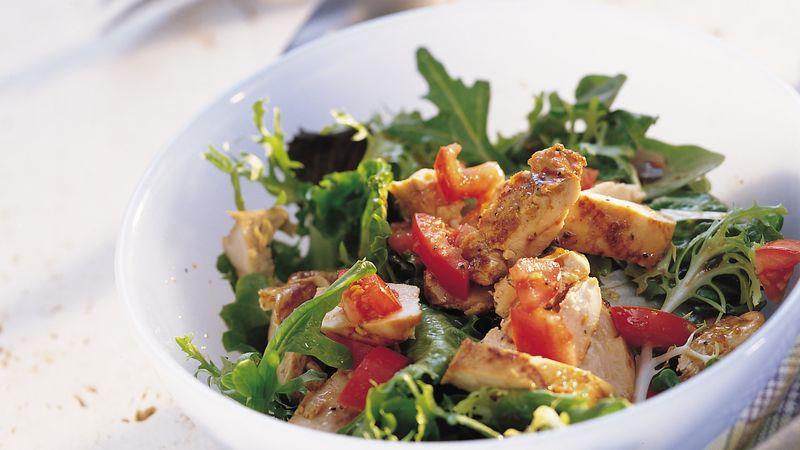 Salad gà Ý nướng 7 đánh giá   3 đánh giá   0 câu hỏi Salad gà Ý nướng Chuẩn bị 30 PHÚT Toàn bộ 45 PHÚT Khẩu phần ăn 4 Cách tẩm ướp chính là yếu tố biến món gà nướng thành món gà nướng tuyệt vời! Bởi Betty Crocker Kitchens Cập nhật ngày 14 tháng 10 năm 2008 Thành phần 1/3 tách giấm mâm xôi 2 muỗng canh giấm balsamic 1/4 cốc nước 1 phong bì (0,7 ounce) hỗn hợp sốt kiểu Ý 1 thìa dầu ô liu hoặc dầu thực vật 4 Một nửa ức gà không da không xương (khoảng 1 1/4 pound) 6 chén miếng vừa ăn trộn salad rau xanh 2 mận (Roma) cà chua, cắt nhỏ (2/3 chén)  Các bước Ngăn màn hình của bạn tối đi khi bạn nấu ăn.  1 Trong bát vừa, trộn giấm và nước. Khuấy đều hỗn hợp nước sốt. Cho dầu vào khuấy đều. Chia hỗn hợp nước sốt làm đôi. 2 Đặt gà vào đĩa thủy tinh hoặc nhựa cạn hoặc túi bảo quản thực phẩm bằng nhựa nặng có thể kéo lại được. Đổ một nửa hỗn hợp nước sốt lên gà; biến gà thành lông. Đậy đĩa hoặc túi kín và để trong tủ lạnh 15 phút. Đậy nắp và cho hỗn hợp nước sốt còn lại vào tủ lạnh. 3 Làm nóng than hoặc nướng gas để lấy nhiệt trực tiếp. Loại bỏ thịt gà khỏi nước xốt; nước xốt dự trữ. Đậy vung và nướng gà ở lửa vừa từ 15 đến 20 phút, thỉnh thoảng lật và phết nước xốt, cho đến khi nước thịt gà trong khi cắt ở giữa phần dày nhất (170 ° F). Bỏ phần nước xốt còn lại. 4 Cắt thịt gà thành từng lát. Phục vụ gà trên rau xà lách với sóng nước còn lại. Up on with cà chua. Mẹo của chuyên gia Nướng nấm hoặc ớt chuông tươi thái lát với gà. Giấm balsamic tạo thêm hương vị đặc biệt tuyệt vời cho món salad xinh xắn này, nhưng bạn cũng có thể sử dụng giấm rượu vang đỏ. Không có thời gian để nướng? Cắt thịt gà thành từng lát, ướp theo hướng dẫn, sau đó để ráo và bỏ nước ướp. Nấu trong chảo trên lửa vừa từ 4 đến 5 phút, khuấy liên tục cho đến khi không còn màu hồng ở giữa. Dinh dưỡng © 2021 ® / TM General Mills Mọi quyền được bảo lưu  QUẢNG CÁO Chúng tôi cũng yêu