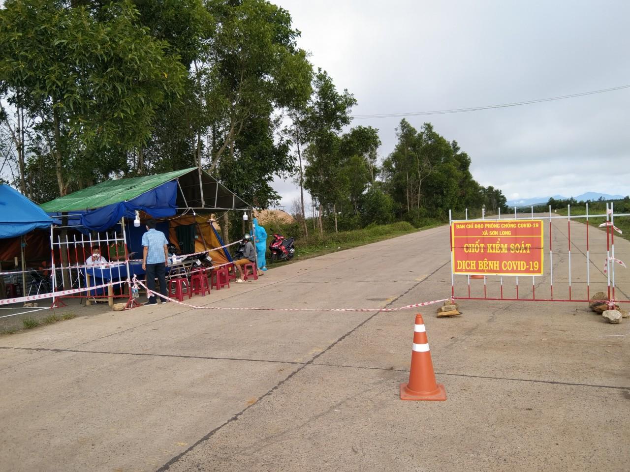 Chốt chặn phòng, chống dịch COVID-19 ở huyện Sơn Hòa, tỉnh Phú Yên