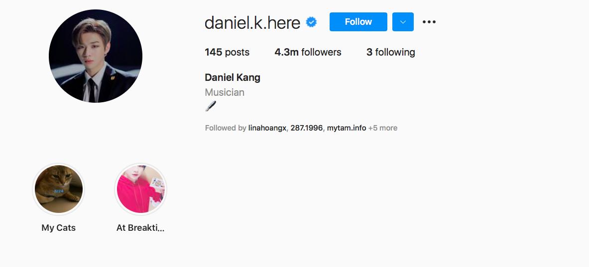 """Tài khoản của Daniel Kang cán mốc 1 triệu người theo dõi sau 11 giờ 36 phút vào tháng 1/2019. Anh đăng một bức ảnh tự sướng và viết """"Hello"""". Tuy nhiên, do gặp vấn đề với công ty quản lý cũ nên anh không được sở hữu tài khoản này, và hiện đã bị xoá. Anh đã lập 1 tài khoản mới, hiện có hơn 4,3 triệu người theo dõi."""