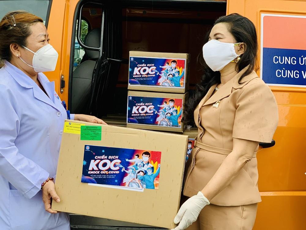 Quỹ từ thiện Kim Oanh đã tặng một triệu đơn vị thuốc đặc trị chữa COVID-19 cho F0 các tỉnh phía Nam - Ảnh: Quỹ từ thiện Kim Oanh