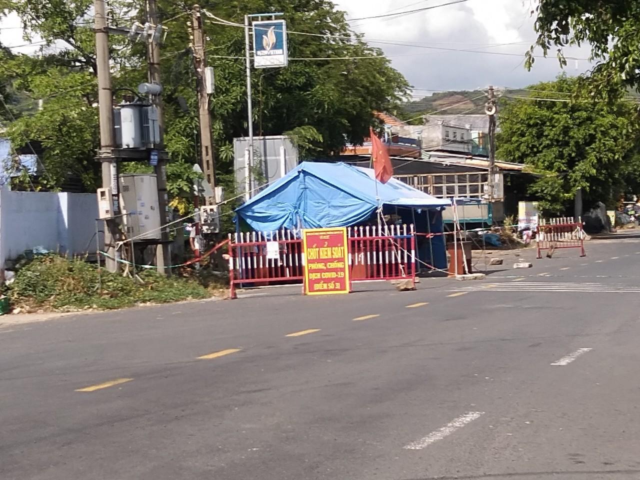 Chốt chặn phòng chống COVID-19 huyện Tuy An, tỉnh Phú Yên