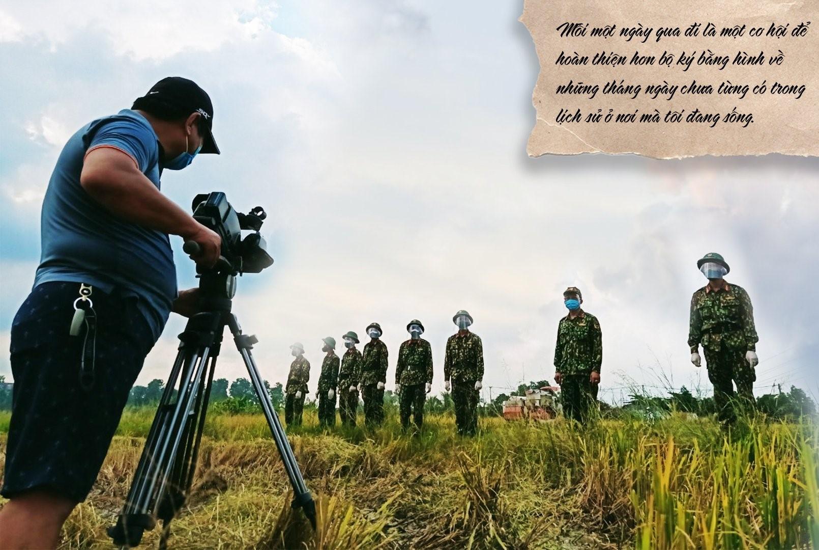 Anh đã ghi lại câu chuyện về cuộc sống của người dân ở những xóm lao động nghèo, chuyện cấp cứu F0 và cả hình ảnh người lính tham gia chống dịch...