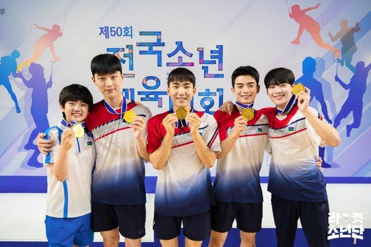 Đội cầu lông thiếu niên mang đến khát vọng tươi đẹp của tuổi thanh xuân