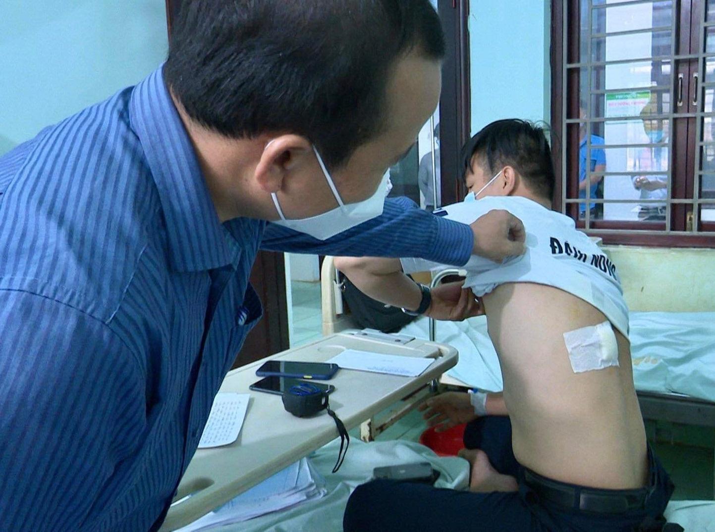 Anh B. đang được điều trị tại bệnh viện