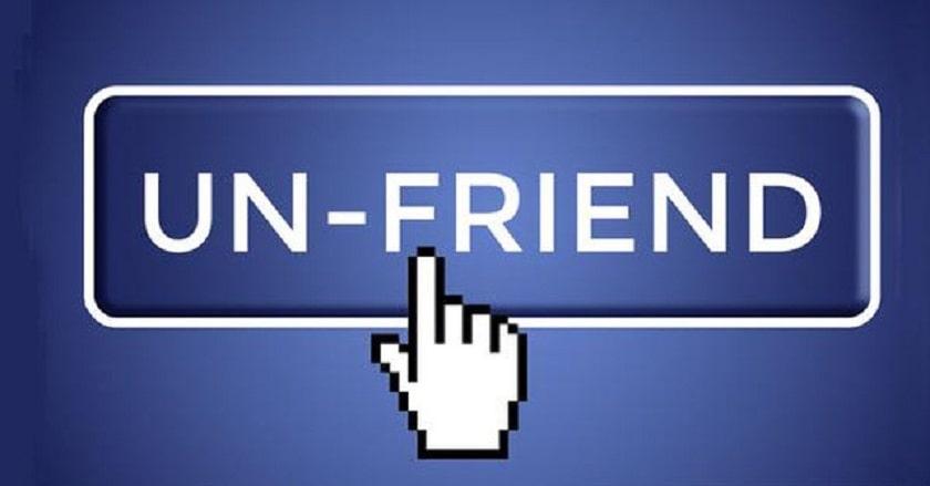 Một lần nhấp unfriend trên mạng lại là một chạm rất thật vào mối quan hệ ngoài đời - Ảnh minh họa