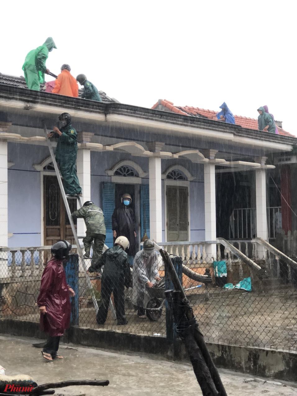 Theo báo cáo ban đầu của Ban chỉ huy PCLB tỉnh Thừa Thiên- Huế hiện chưa có thống kê thiệt hại về người