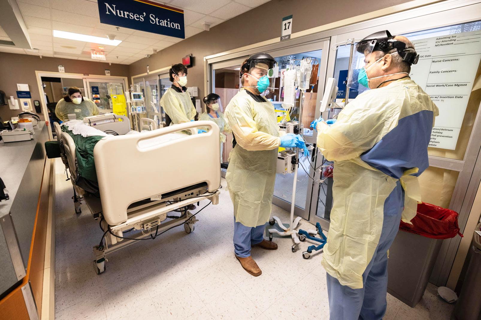 Các nhân viên y tế trên khắp thế giới đang đối mặt với những áp lực rất lớn về sức khỏe, tinh thần, họ cần được chăm sóc, bảo vệ - ẢNH: BỆNH VIỆN ĐẠI HỌC MISSISSIPPI