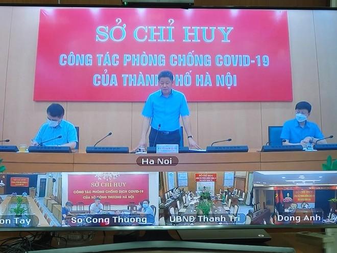 Phó Chủ tịch UBND TP Hà Nội Nguyễn Mạnh Quyền phát biểu tại cuộc họp.