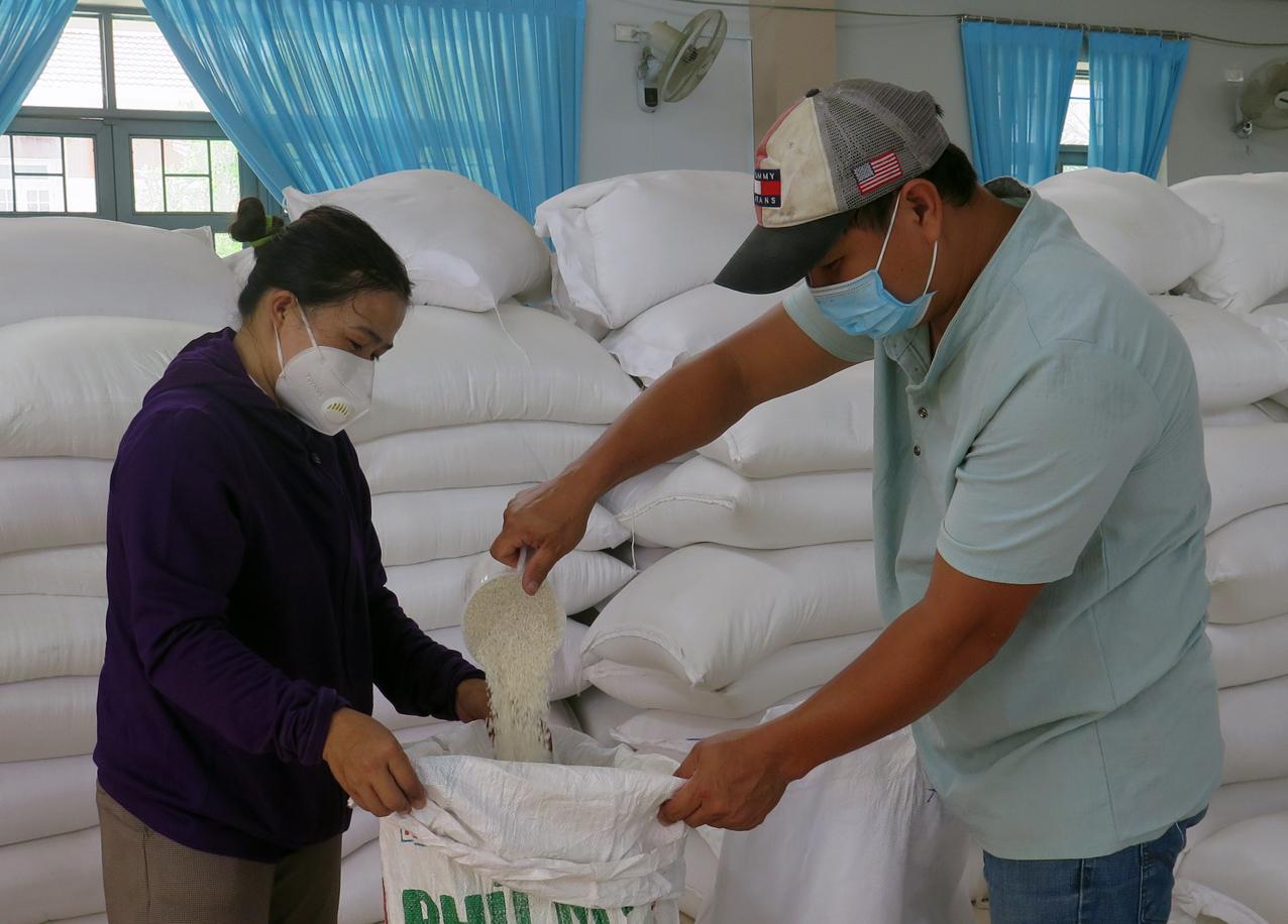 Hộ nghèo, hộ cận nghèo, đối tượng có thu nhập thấp được nhận gạo