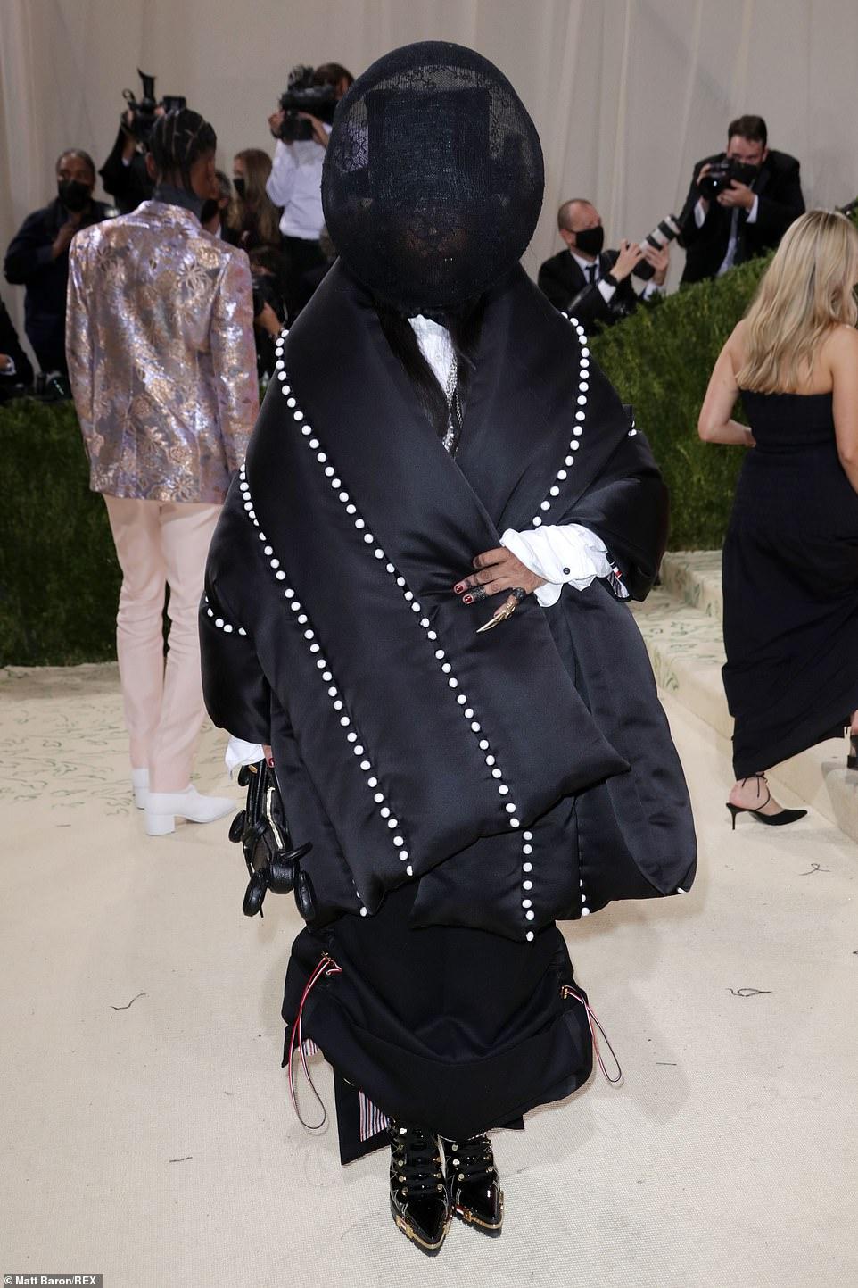 Trang phục ấn tượng của Erykah Badu tại Met Gala năm nay