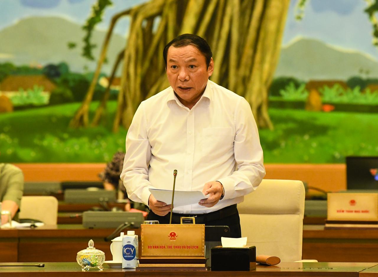 Bộ trưởng Nguyễn Văn Hùng