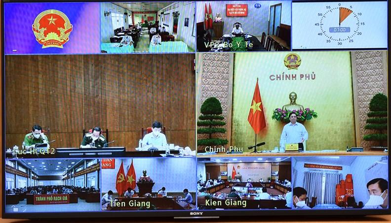 Buổi làm việc trực tuyến của Thủ tướng Chính phủ với hai tỉnh Tiền Giang và Kiên Giang vào sáng ngày 13/9 - (Ảnh: VPG/Nhật Bắc)