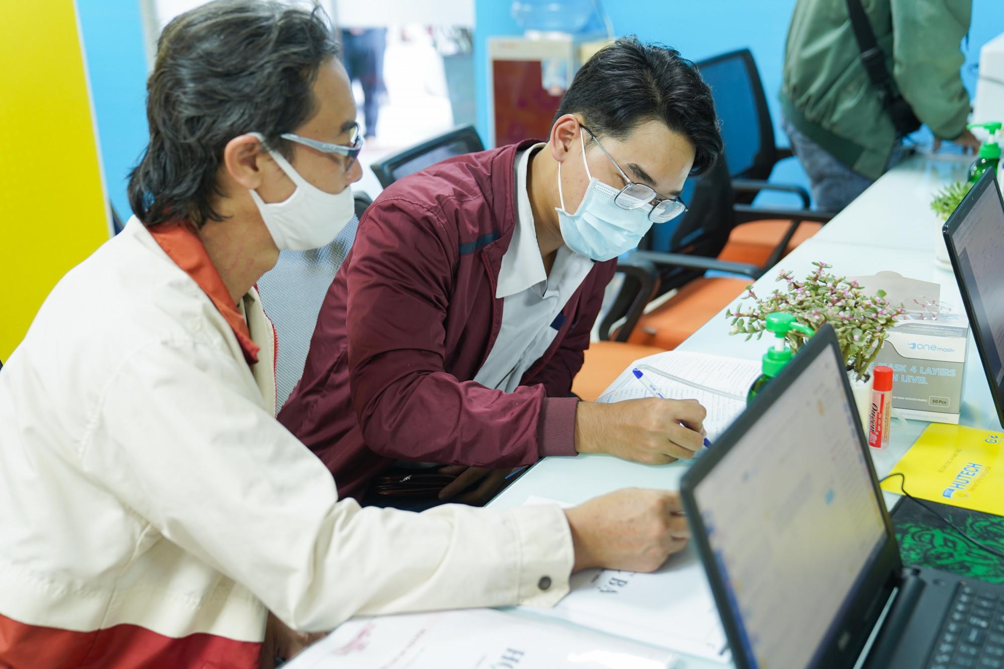 Thí sinh đăng ký xét tuyển tại Trường ĐH Công nghệ TP.HCM- Ảnh chụp trước tháng 5/2021