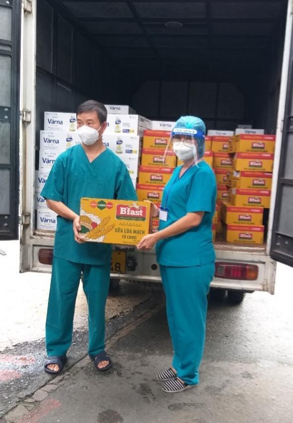 150.000 hộp/chai sữa sẽ được Tập đoàn Masan trao tặng đến bệnh nhân COVID-19 tại 16 bệnh viện trên địa bàn TPHCM - Ảnh: Masan
