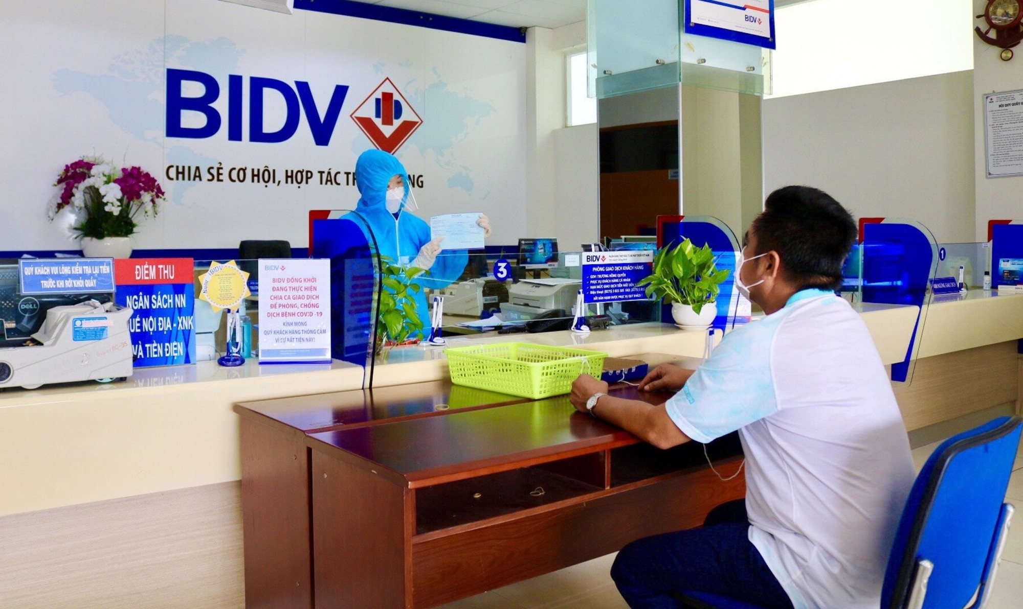 BIDV luôn tiên phong trong các hoạt động hỗ trợ khách hàng và cộng đồng