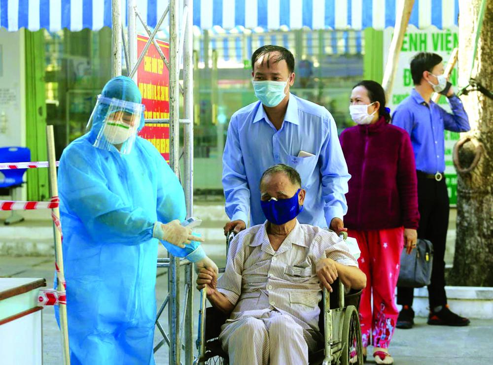 Người cao tuổi là đối tượng chịu nhiều tác động, đặc biệt về mặt tinh thần trong đại dịch COVID-19