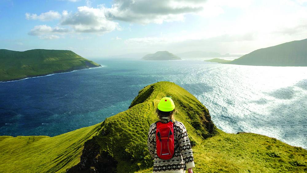 """Qua ứng dụng thực tế ảo, du khách có thể đến quần đảo Faroe tuyệt đẹp ở bắc Đại Tây Dương """"du ngoạn"""", ngắm cảnh từ góc nhìn của một hướng dẫn viên bản địa  - ẢNH: REMOTE TOURISM"""