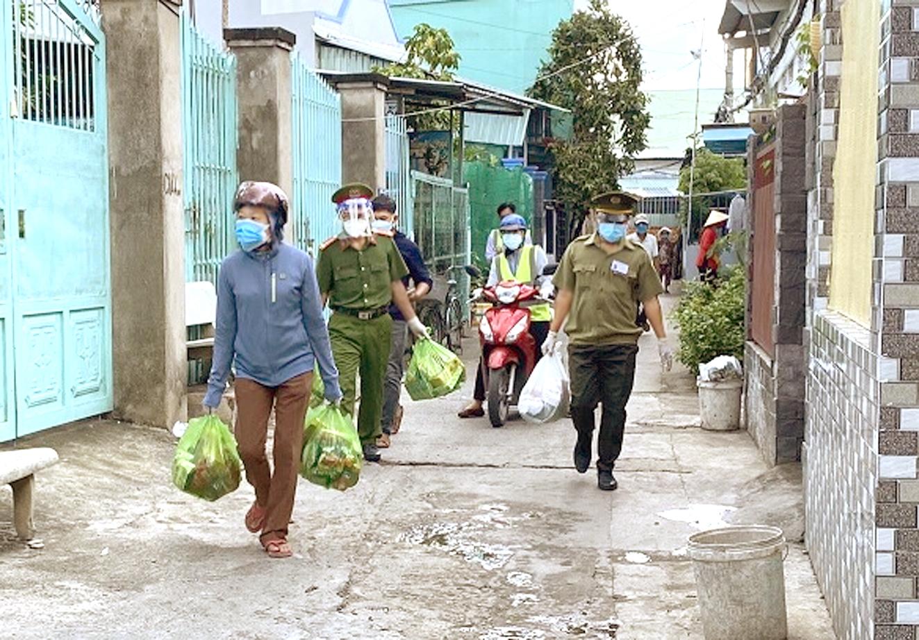 Lực lượng cảnh sát khu vực ở TP.HCM thời gian qua đã nghĩ ra nhiều giải pháp hỗ trợ người dân