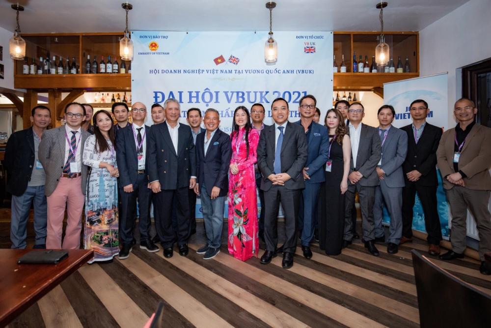 Thành lập năm 2006, VBUK hiện là thành viên của Hiệp hội doanh nhân Việt Nam ở nước ngoài và Hội doanh nghiệp Việt Nam tại châu Âu.