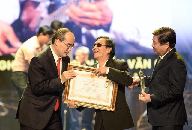 Với những đóng góp to lớn cho nền nghệ thuật nước nhà, danh cầm Văn Giỏi vinh dự được phong tặng danh hiệu NSND vào năm 2019