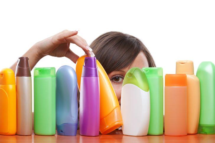 Lựa chọn dầu gội của bạn là rất quan trọng để chăm sóc tóc. Để tránh những hậu quả có hại, hãy đảm bảo rằng dầu gội đầu phù hợp với loại tóc của bạn.